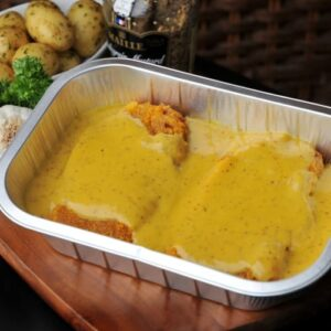 Dressed pork loin in a refined mustard sauce harmonised with honey.